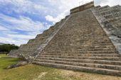 Chichen Itza Mayan ruins — Stock Photo