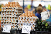 Fresh eggs at farmers market  — Stock Photo