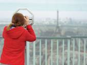 Young woman on observation deck in Paris, France — Stock Photo