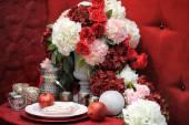Stylish red table set for wedding celebration — Stock Photo