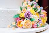 Close up photo of delicious wedding or birthday cake  — Stock Photo