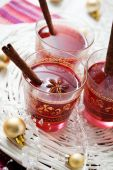 Mulled wine and Christmas decoration — Stock Photo