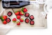 Jahody a champaigne čokoládové lanýže. — Stock fotografie