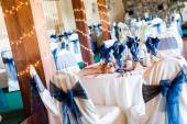 Banquet hall decorated for wedding — Stockfoto