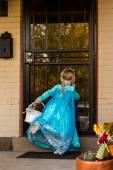 Little girl in princess costume — Stock Photo