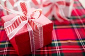 Red and white Chtistmas gifts — Foto de Stock