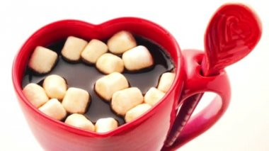 Hot chocolate with marshmallows — Stock Video