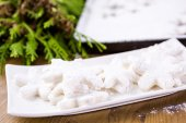 Making marshmallows in shapes of snowflakes — Stock Photo