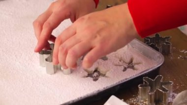Making marshmallows in shapes of snowflakes — Video Stock