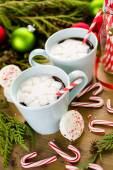 Hot chocolate with snowflake shaped of marshmallows. — Stock Photo