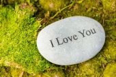 Round stone with words I love you — Stock Photo