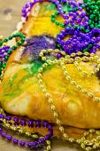 King cake for Mardi Gras — Stockfoto