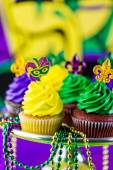 Cupcakes with colorful icing for Mardi Gras — Stock Photo