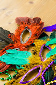 Různobarevné dekorace pro Mardi Gras — Stock fotografie