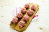 Raw Italian meatballs — ストック写真