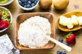 Ingredients for fruit tarts — Stock Photo