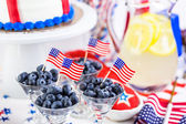 Dessert al tavolo per 4 luglio festa. — Foto Stock