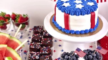 Desserts on the table for July 4th party — Stock Video