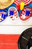 Bianchi, blu e rossi decorazioni per 4 luglio barbecue — Foto Stock