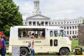Gathering of gourmet food trucks at Civic Center Park — Stock Photo