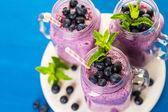 Fresh organic blueberry smoothies — Foto Stock