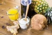 Pineapple ginger smoothie with Greek yogurt — Stock Photo