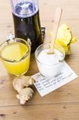 Pineapple ginger smoothie with Greek yogurt — Stock Photo
