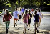 Young school runners — Stock Photo