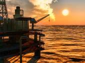 Oil rig  platform — Stock Photo