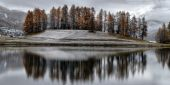 Lake St. Moritz with the first snow in the autumn — Stock Photo