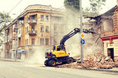 Demolition of the old building — Stock Photo