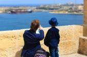 Father and son travel in Malta, Europe — Stock Photo