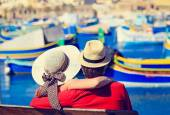 Happy young couple on vacation in Malta — Stock Photo