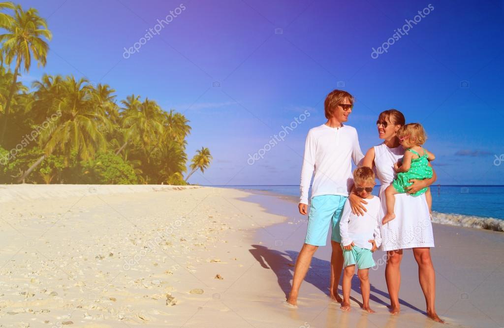 Сдвумя на пляже фото 291-807