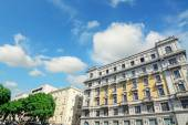 Облака над Via Roma, Кальяри — Стоковое фото