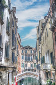 Small bridge in Venice, Italy — Stockfoto