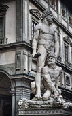 Hercules and Cacus statue in hdr — Stock Photo