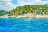 Cala gonone shoreline on a cloudy day — Zdjęcie stockowe