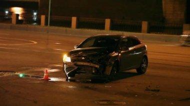 Car Crash the night — Stock Video