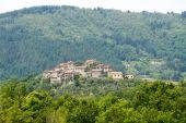 Regnano, old village in Tuscany — Stock Photo