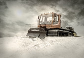 Tractor cleaning snow outdoors — Stock Photo
