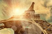 The Eiffel tower under sun light — Stock Photo