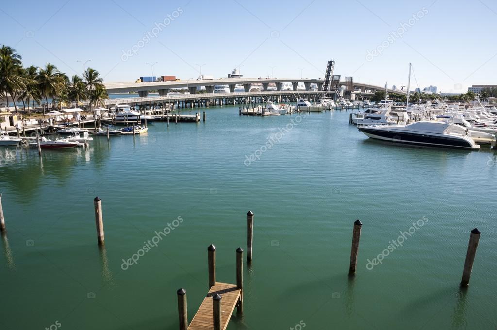 marina de la bah�a de Biscayne en miami, florida, EEUU � Foto ...