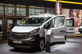 New Opel Vivaro Van at the 65th IAA Commercial Vehicles 2014 in Hannover, Germany — Stock Photo