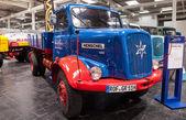 歴史的なハノマーク ヘンシェル 140 トラック、65 の iaa 商用車で 1960 年から 2014年ハノーバー、ドイツで見本市会場 — ストック写真