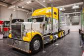 Peterbilt show truck at the 65th IAA Commercial Vehicles Fair 2014 in Hannover, Germany — Stock Photo