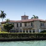 Luxurious mansion on Star Island in Miami, Florida, USA — Stock Photo #54916705