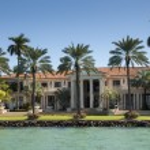 Luxurious mansion on Star Island in Miami, Florida, USA — Stock Photo #54916755