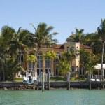Luxurious mansion on Star Island in Miami, Florida, USA — Stock Photo #54916809