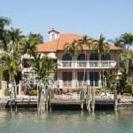 Luxurious mansion on Star Island in Miami, Florida, USA — Stock Photo #54917081